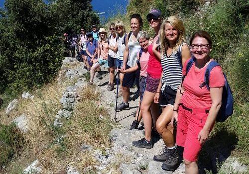 Wandernd die Traumpfade am Golf von Neapel entdecken